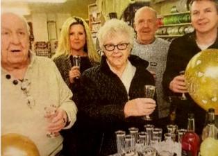 Beryl Hobbs and Family.jpg