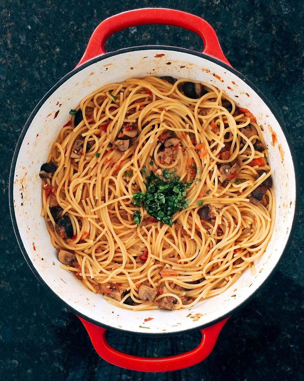 sundried tomato, mushroom, and gorgonzola pasta