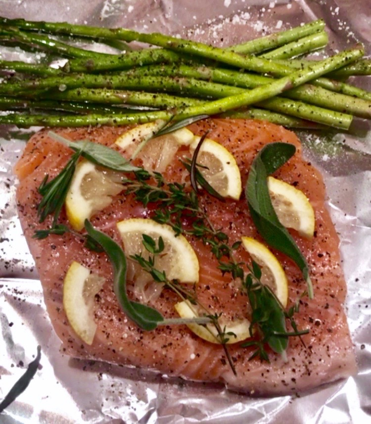 salmon with herbs and asparagus