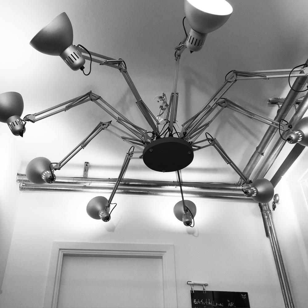 office-squid-lamp