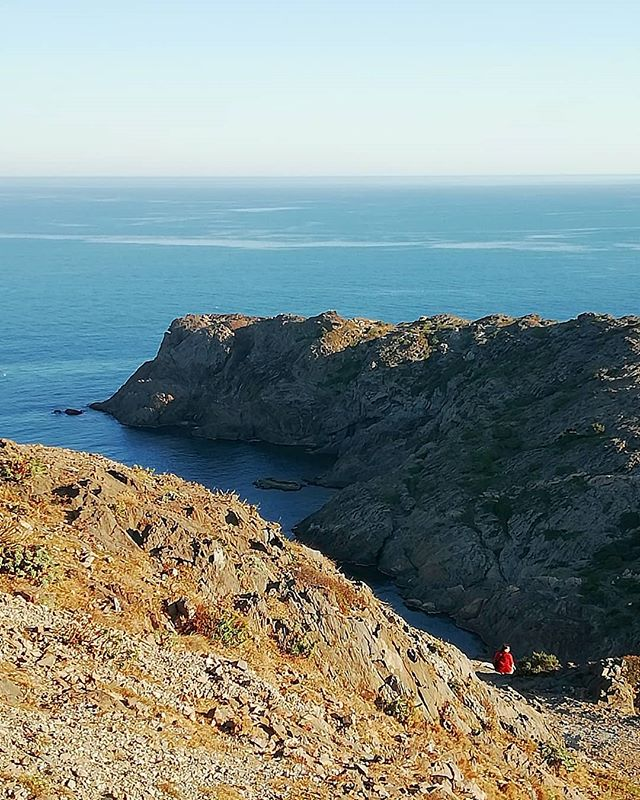 We are so small... #sustainablefashion #nature #costabrava #capdecreus