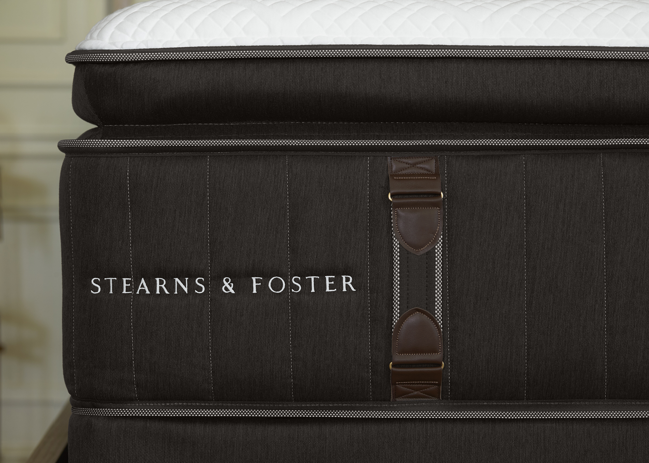 Stearns And Foster Lux Estate Hybrid Lakelet Stearns