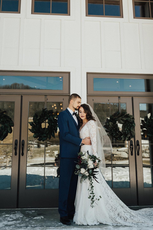 Joy-Unscripted-Wedding-Styled-Shoot-Celestial-Winter-16.jpg