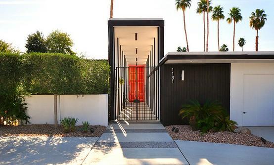 palm-springs-black-gate-org-door_pint.jpg
