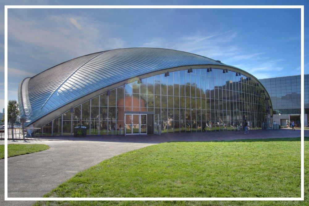 Photo:https://upload.wikimedia.org/wikipedia/commons/9/9d/MIT_Kresge_Auditorium.jpg