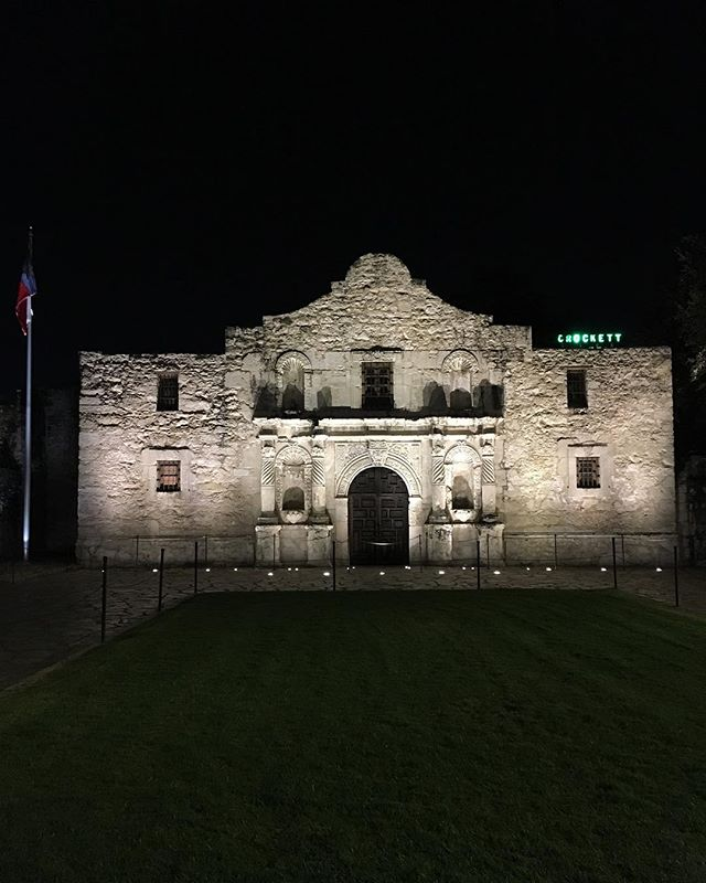 Hey San Antonio! We're in you! Bring on alllll the tacos 🌮 🌶😍 (also it's no wonder why they lost the Battle of the Alamo, the thing is like all of 2200 square feet.) ... ... ... ... #texas #sanantonio #satx #alamo #travel #igtravel #gaytravel #lgbtqtravelers #lgbttravel #travelgram #travelphotography #history #traveldeeper #wanderlust #goexplore #texastravel