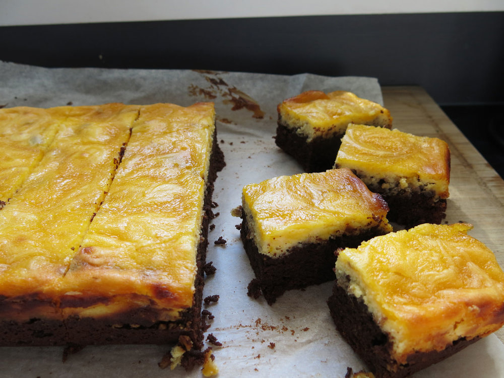 lemon-curd-cheesecake-brownie.jpg