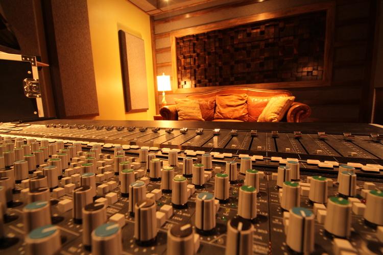studio_b.jpeg