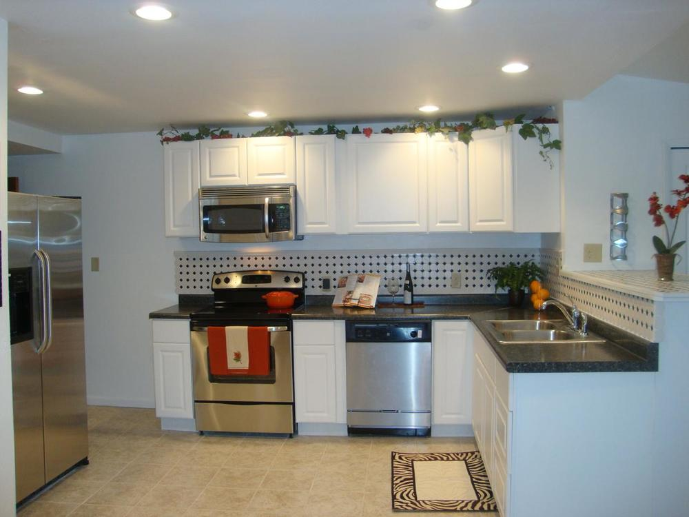1050 Walsh Kitchen - after