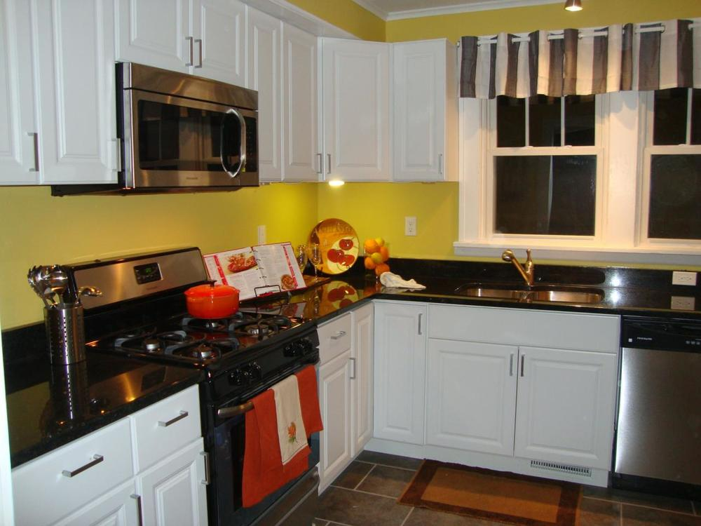4622 Dupont Kitchen - after