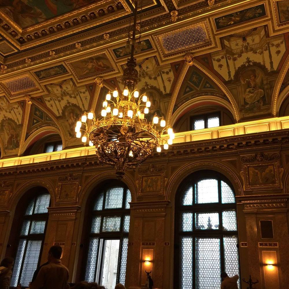 Parizsi Nagyaruhaz cafe, Budapest by Teresa Amey for The Doubtful Traveller