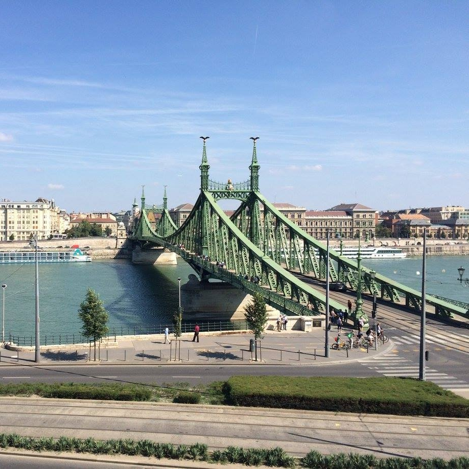 The Chain Bridge across the Danube, Budapest by Teresa Amey for The Doubtful Traveller
