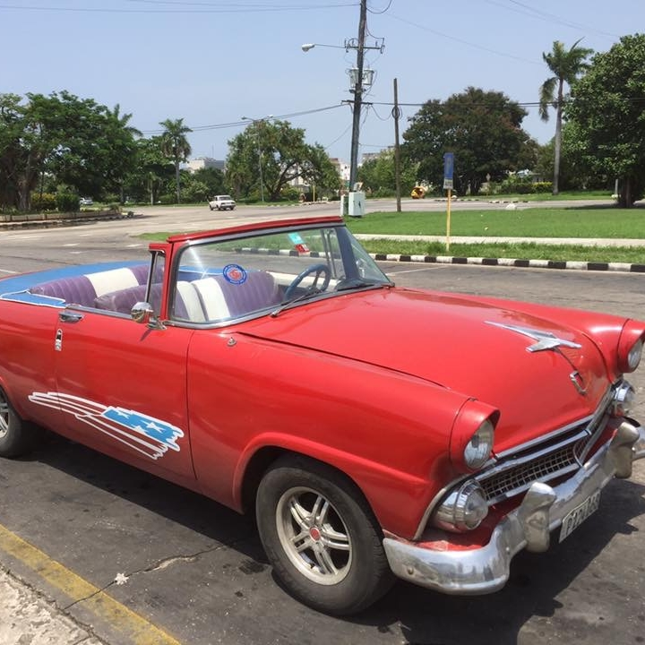 Cars in Havana by Kevin Nansett for The Doubtful Traveller