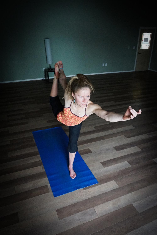 Inge rocking Dancer's Pose.