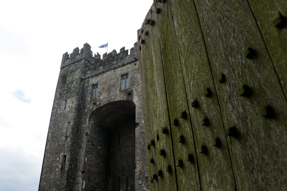 Bunratty castle gate.jpg