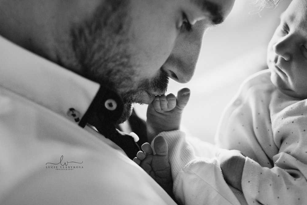 Praha newborn fotografie.jpg