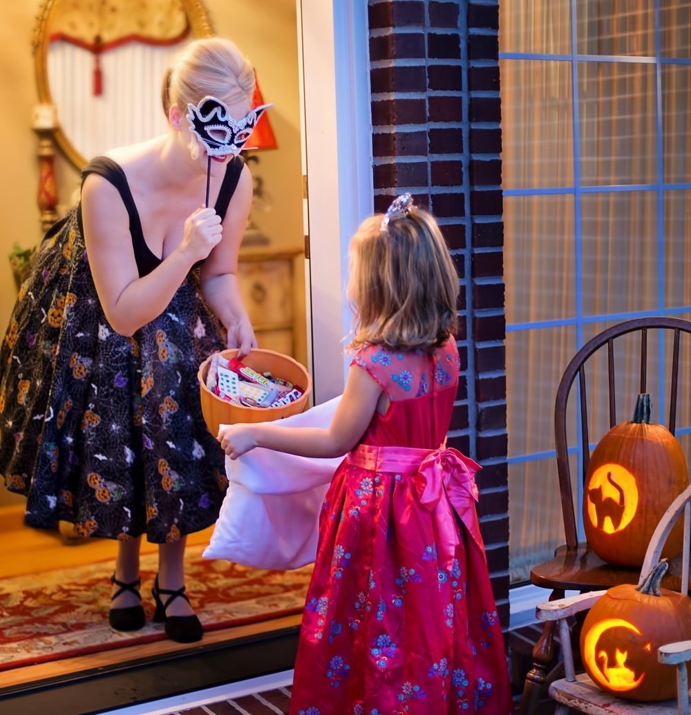10/31: Subdivision Treat or Treating - Hours vary. We have been told Lake Apollo is a good place to go! If your neighborhood is good for trick or treater comment below!