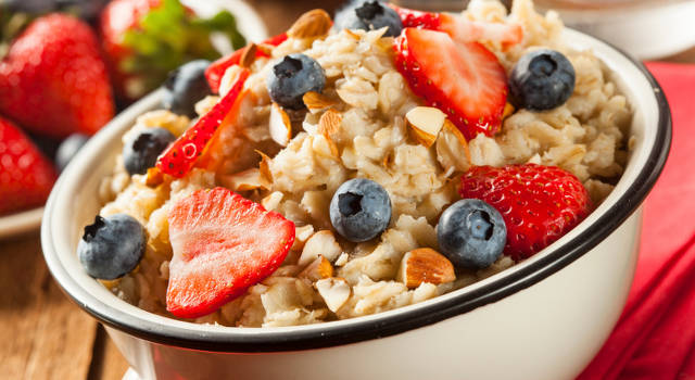 Lots of fibre is the key to a healthy suhoor/sehri. PC: beginwithnutrition.com
