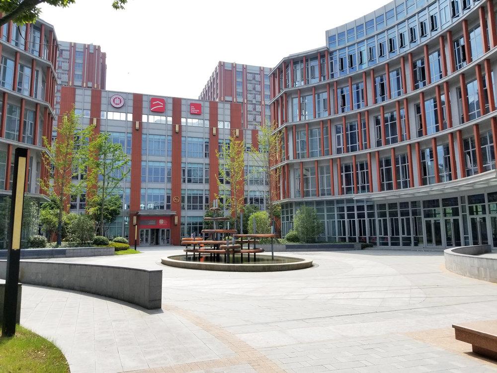 6.Campus-V.jpg