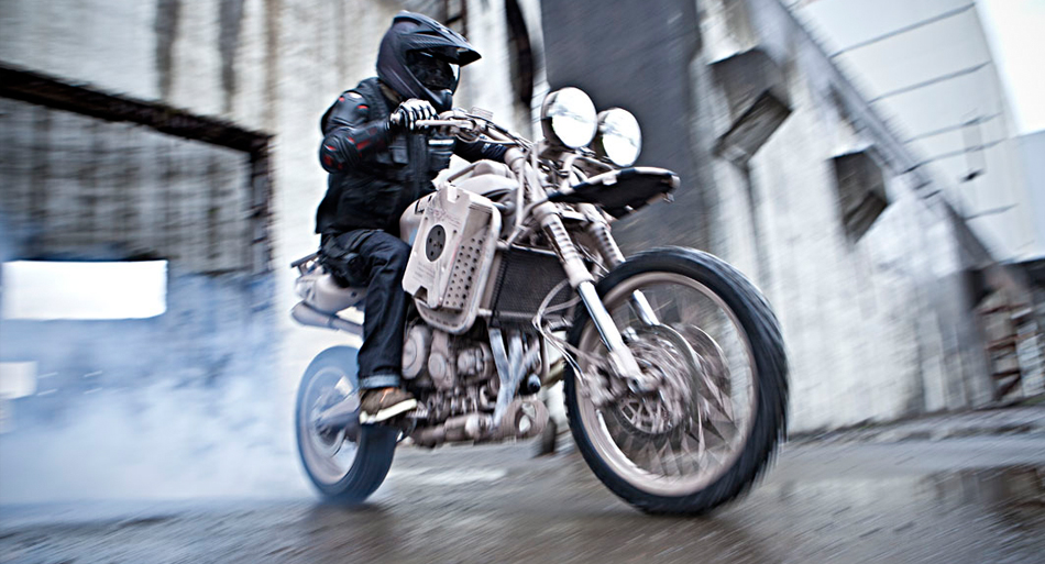 ICON1000-VARIANT-CARBON-MOTORCYCLE-HELMET-3.JPG
