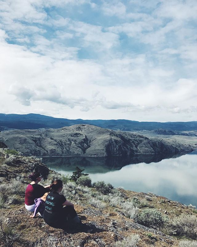 The best of memories can be found in the adventures we share. . . . #battlebluffs #explorekamloops #kamloops #explorebc #bcadventuregirls #sheexplores #sheadventures #bcgirl #bcoutdoors #ourlivesinmoments #wanderingbc #discoverbc #beautyofbc #sheisnotlost #womenwhoexplore #womenofthewestcoast #explorerbabes #roamingwomen