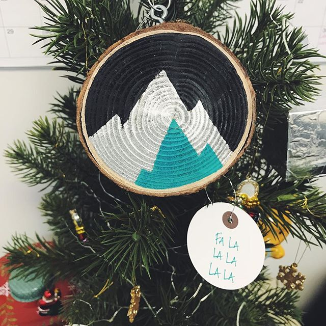Feeling festive 🖤🌄💙 Had this amazing piece done by a friend.  Who wants their own?  Made by @moonlightdesignz  #bcadventuregirls #womenwhoexplore #explorebc