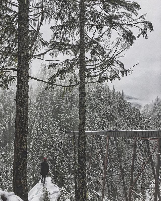 This shot from  @adventuresof.dan is making us dream of adventuring. While she can't wait to check it out in the spring I now need to go visit in the winter!⠀ Where are you ladies adventuring this weekend?⠀ ↟⠀ ↟⠀ ↟⠀ #wanderingbc #bcadventuregirls #hike_bc  #bclandscapes  #explorebc #pacificnorthwest #beautifulbc  #happyadventuring #wildernessculture #wanderlust #lifeofadventure #optoutside #staywild #wildoutdoorsclub #hikebc  #itsbetteroutside #justhikeit #Allaboutadventures #womenofthewestcoast #womenwhoexplore