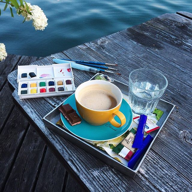 Nothing is better than staying in a beautiful hotel room with a perfect view on a lake, to find inspiration and start sketching the glorious scene .. #Seevilla hotel, #wolfgangsee , #Austria