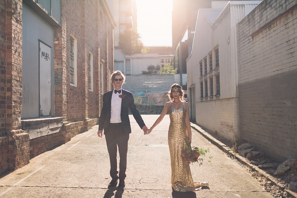 Urban glamour meets the decadence of the jazz age in this sun-drenched Gatsby themed photoshoot