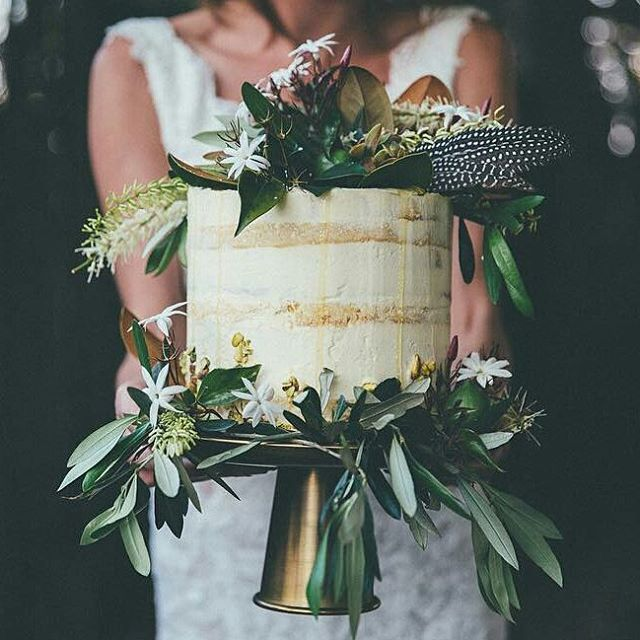 Just adore everything about this cake! @thecakethatateparis nailed it again 👌spectacular botanicals by @flowersbyjuliarose . . This is from a shoot we did a little while ago at beautiful @summergroveestate . Stunning photography by @klee_photography and superb styling by @finchandivy . Model @emmiillyy . . #thecakethatateparis #bohobride #bohowedding #festivalwedding #bridetobe #brisbanebrides #weddingideas #nakedcake #freshflowers #honey #styledshoot #weddings #weddingcake - #regrann