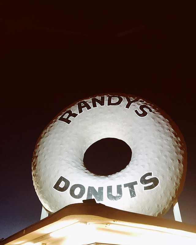 Way too many fills! Donut toy with my emotions 💁🏻‍♂️ 🍩 #randysdonuts #losangeles #instagood #travel #donuts