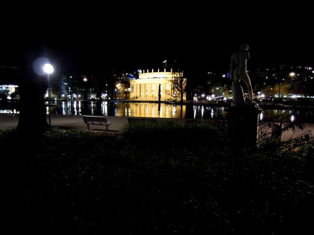 Stuttgarter Oper bei Nacht