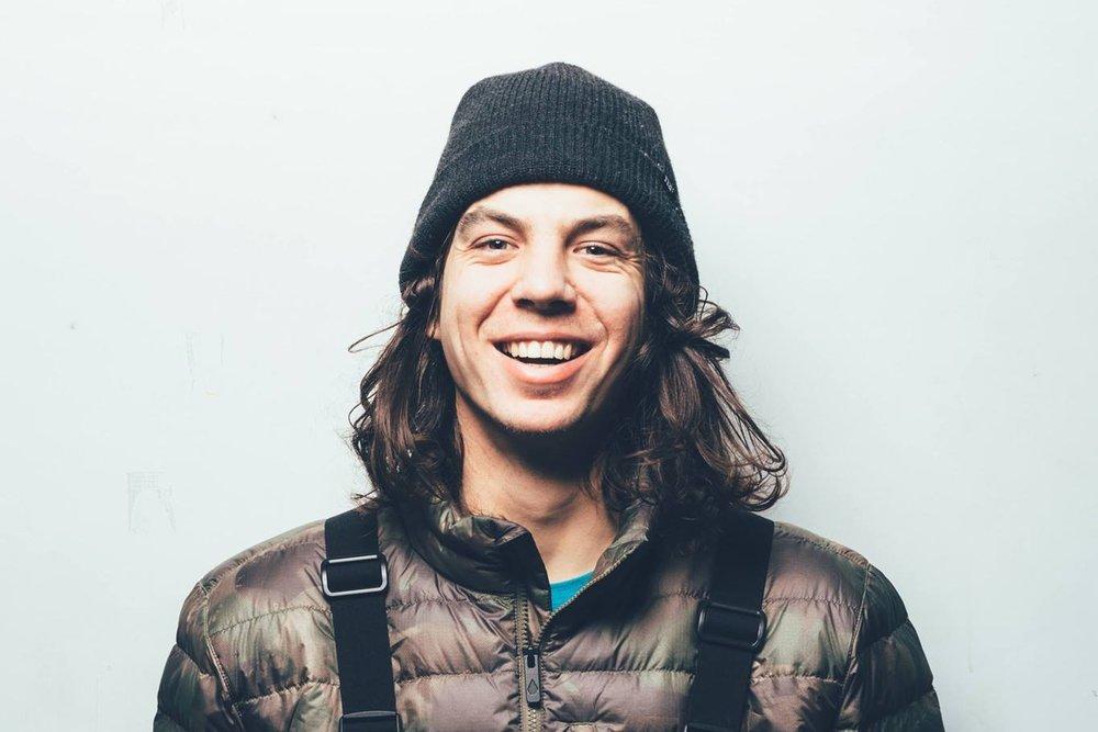 Luggen Levi - Trainer SnowboardMail: levi-luggen.1989@gmx.chTel: 079 660 03 23