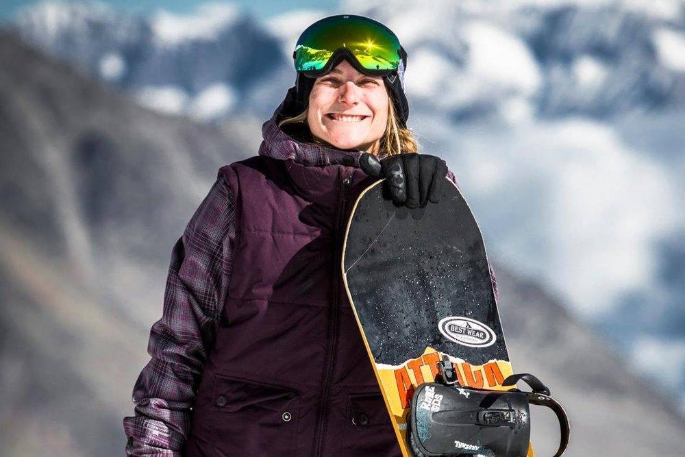 Hellmüller Roxane - Trainerin SnowboardMail: roxy.hell@gmail.comTel: 079 923 33 99
