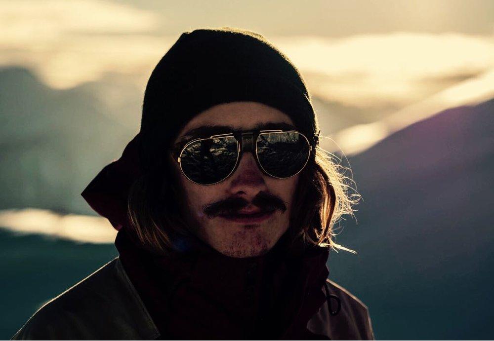 Zumstein Roberto - Trainer SnowboardMail: roberto.zumstein@gmail.comTel: 077 446 61 17