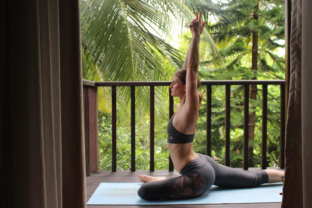 Yoga Pose: Taube mit Streckung