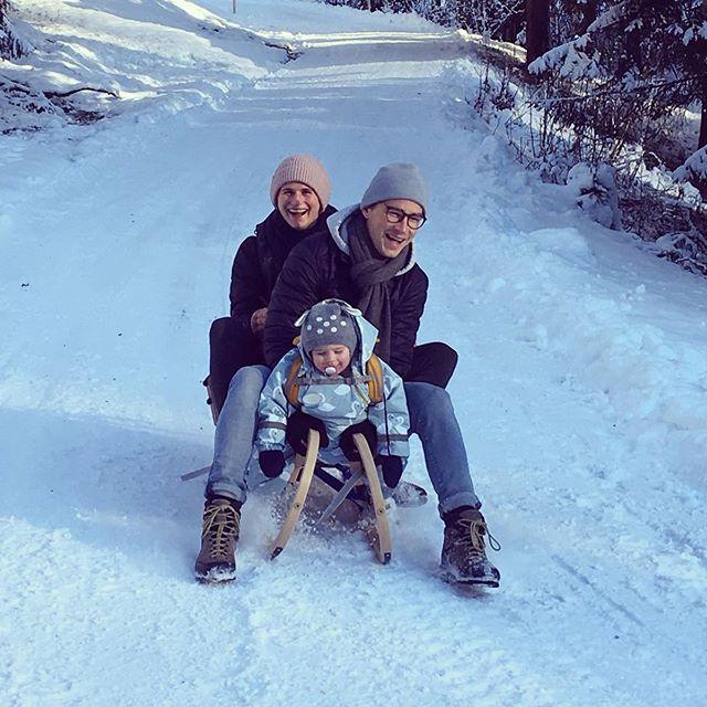 Mein schönstes Geburtstagsgeschenk seid ihr❣️🛷👨👩👧 • #family #birthday #winter #love | Danke für das schöne Foto und den coolen Ausflug @hvl_clutches 😘
