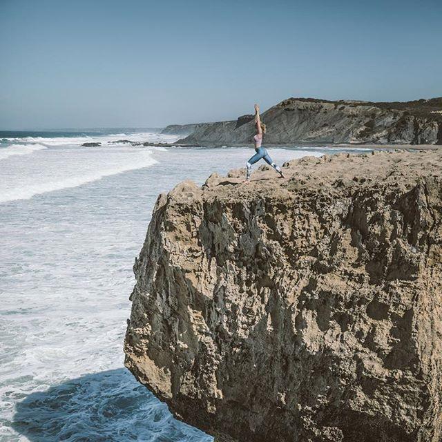Offline is the new Luxury.⠀ #truewords #offline #yoga #portugal #algarve 📸 @lensofxare