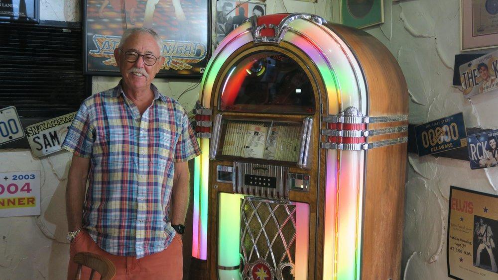 Warwick Ofsowitz jukebox.jpg