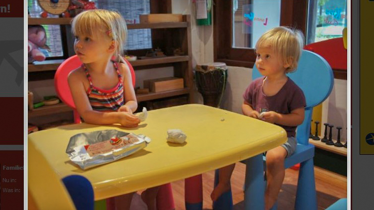 Foto Tess en Wende kidsclub.jpg