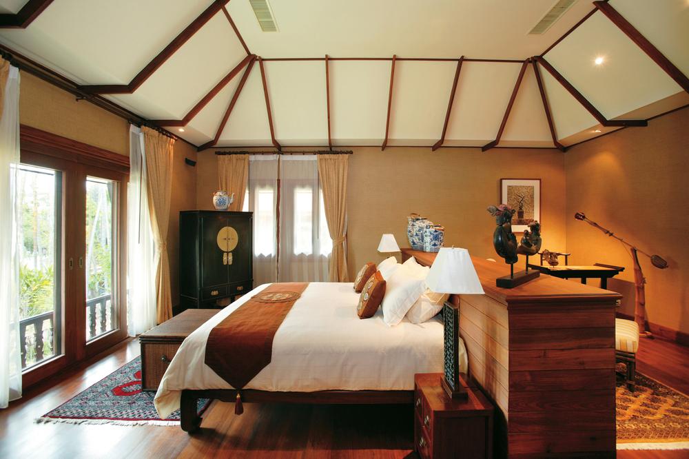 74_Deluxe_Villa_Bedroom.jpg