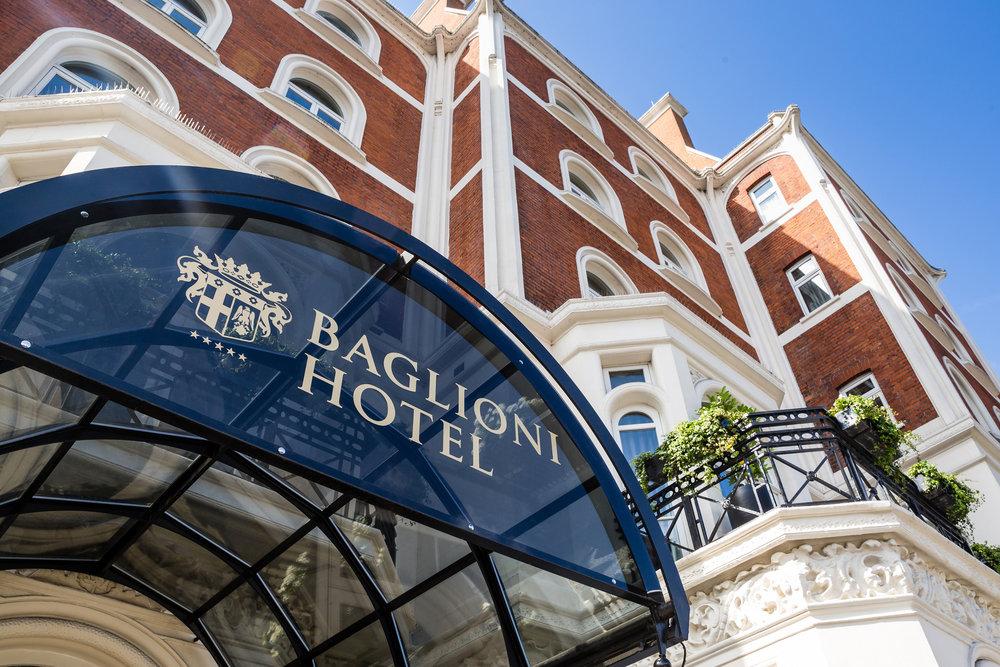 Baglioni_Hotel_London_entrance_z©DiegoDePol.JPG