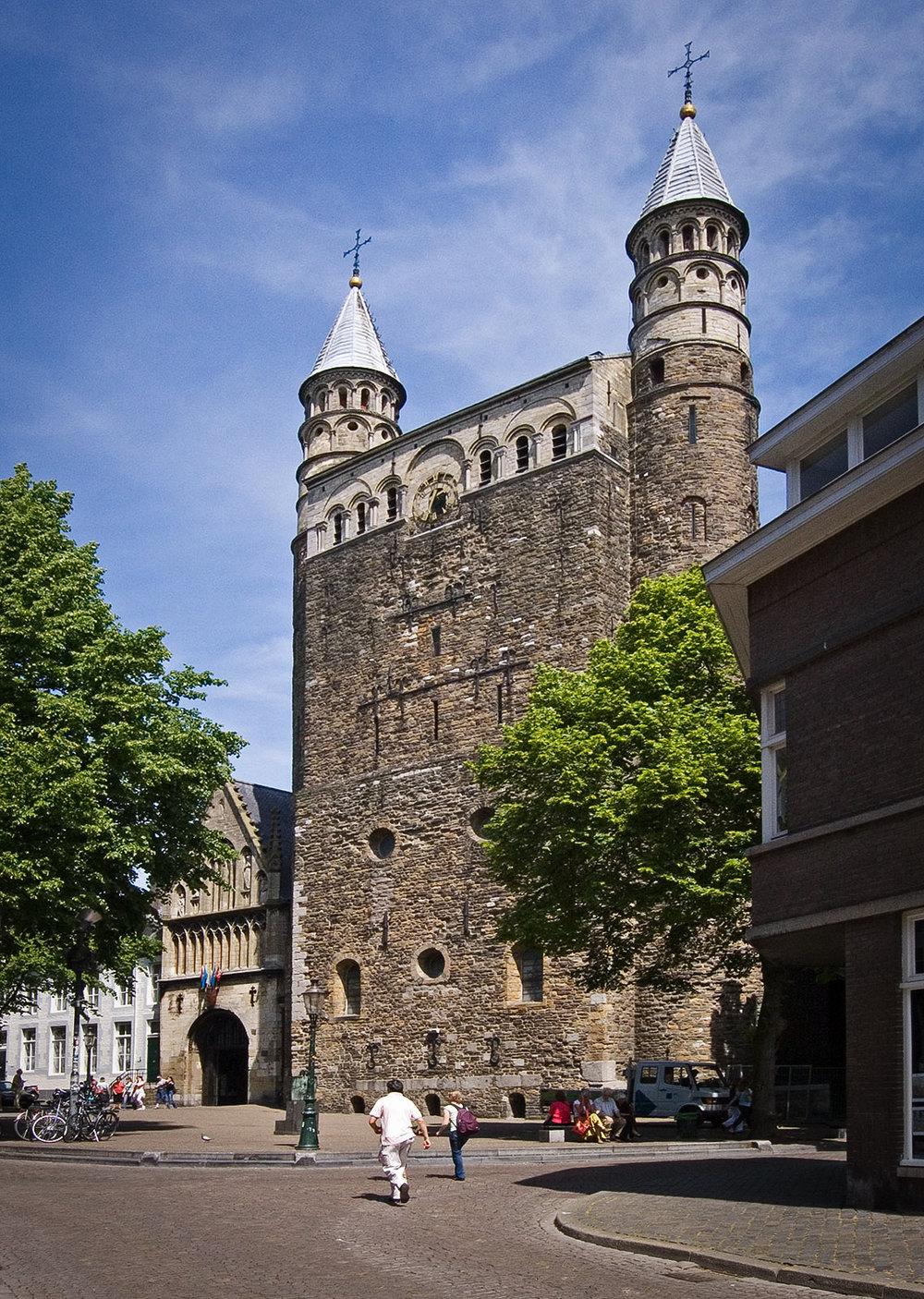 Maastricht_liebfrauenkirche.JPG