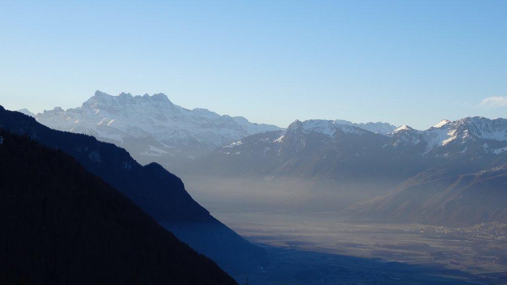 Dents du midi mountain range 2.JPG