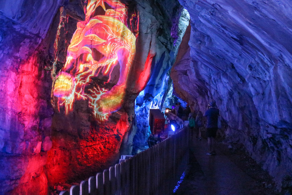 Tamina gorge projection, Light Ragaz