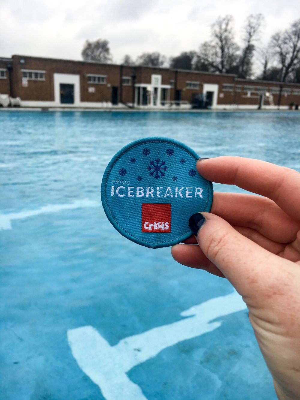 Crisis Icebreaker Cold Water Swimming Challenge - A Pretty Place to Play, London Running and Fitness Blog