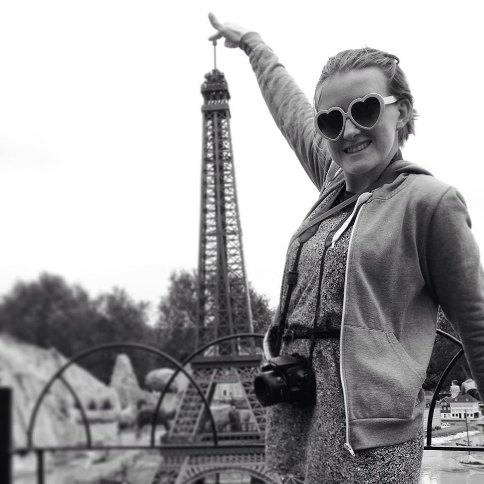 Lindsay at the (mini) Eiffel tower.