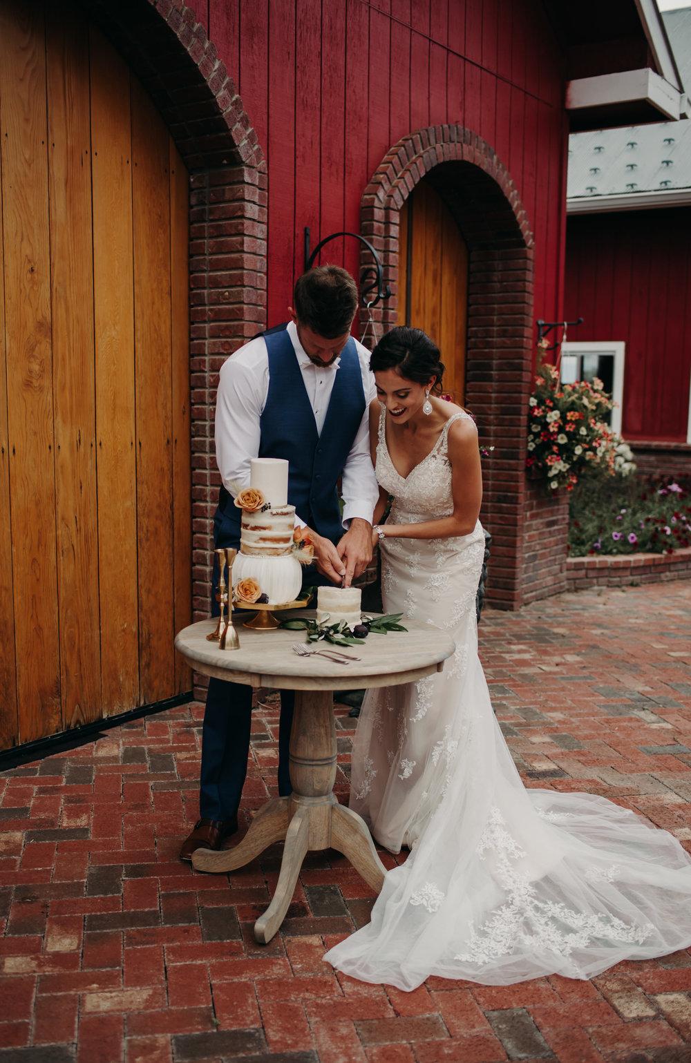 MZP.WeddingPhotography.CrookedWillowFarms-61.jpg