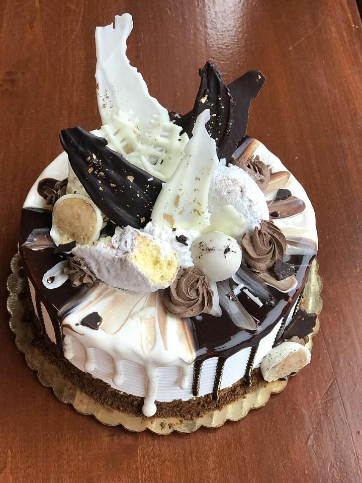 Copy of Copy of Black Tie Dessert DECADENT CAKE