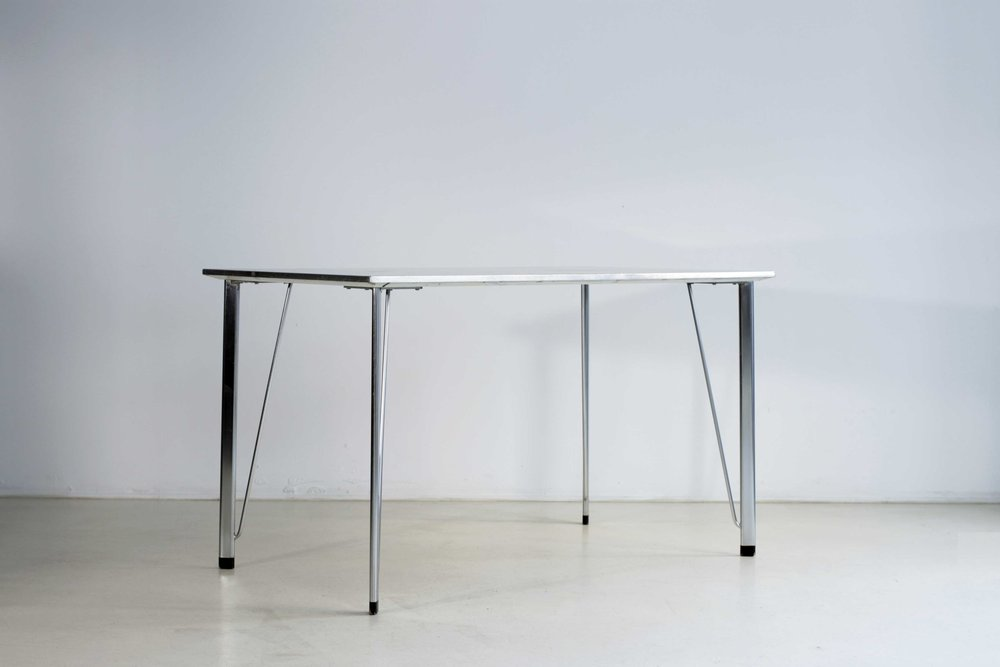 table-jacobsen-2.jpg